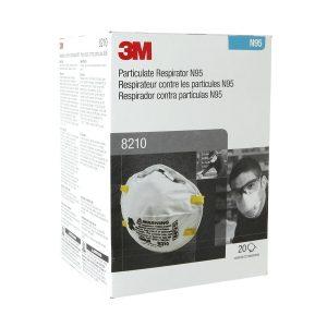 3M 8210, N95 è un respiratore monouso per particolato progettato per aiutare a fornire una protezione respiratoria affidabile con un'efficienza di filtrazione di almeno il 95 percento contro determinate particelle non a base di olio.